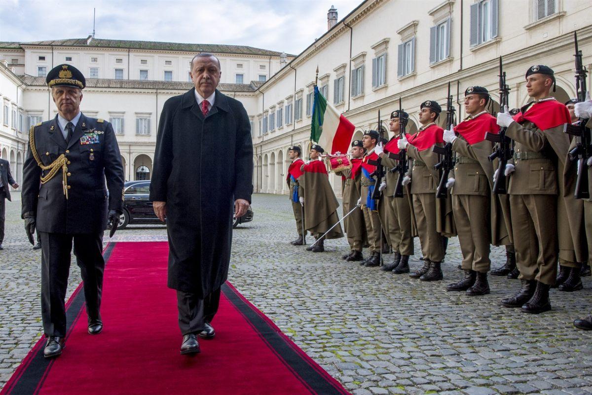 """Erdogan """"Draghi è stato maleducato e scortese"""""""